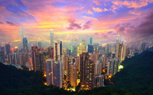 27022122_Famed_skyline_of_Hong_Kong_from_Victoria_Peak_Image_shot_2012_Exact_date_unknownD7YJF5_Fame-xlarge