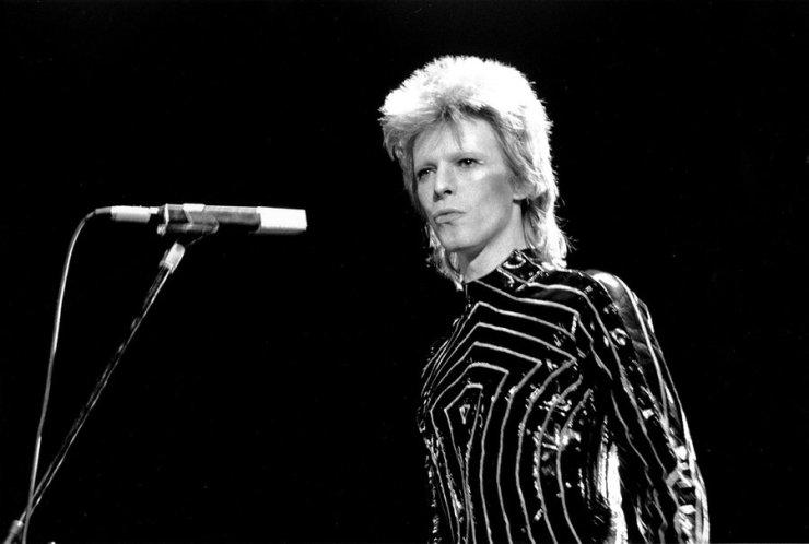 david-bowie-1973-california-billboard-1250